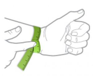 misurare-polso-bracciale-paracord