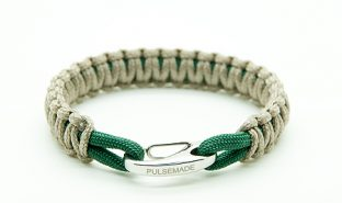 tan-emerald-green-bracelet-pulsemade